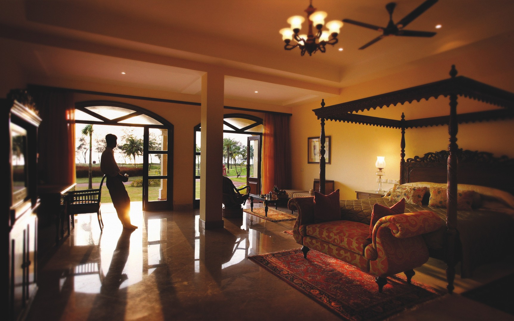 The Lalit 5* Golf & Spa resort (lux)