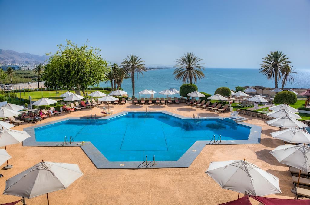 Crowne Plaza Muscat  4* Hotel