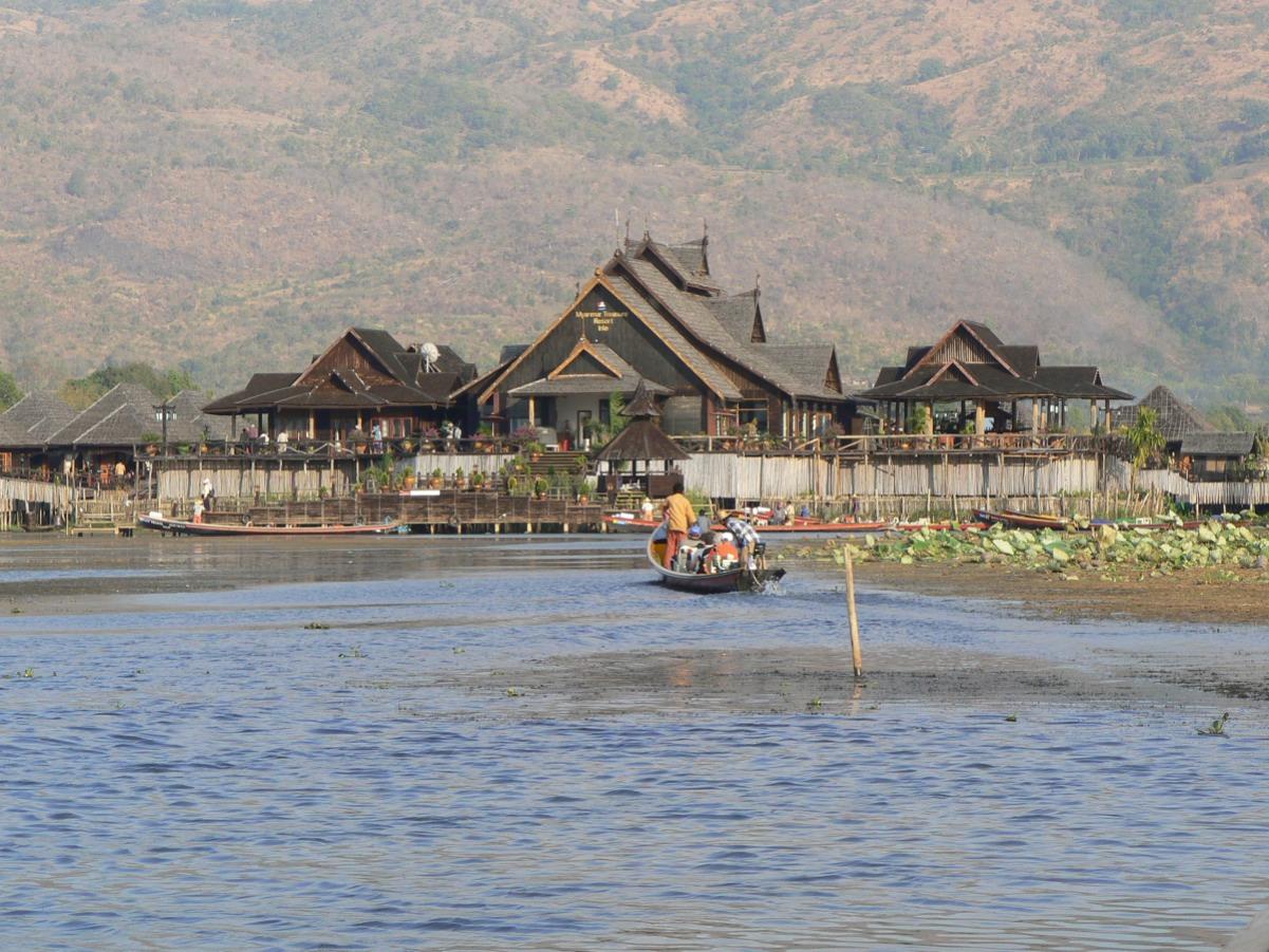 Trekking con pernottamento in monastero Kalaw - Lago Inle