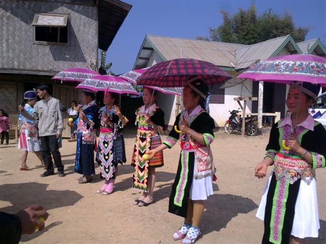 Dalla Thailandia al Laos: Etnie del Nord