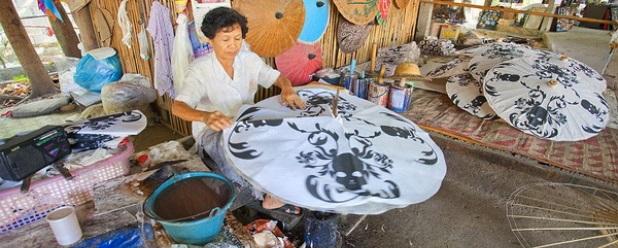 L'artigianato del villaggio degli ombrelli