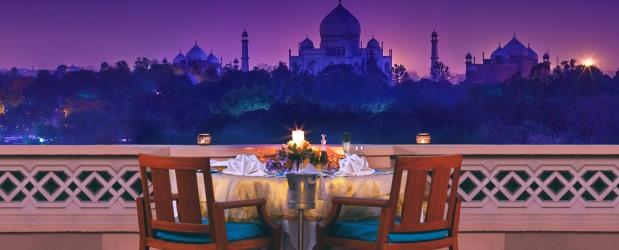 Cena con vista sul Taj Mahal