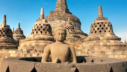 Meditazione e contemplazione a Borobudur